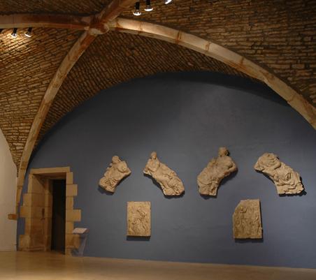 Fragments du mausolée de Claude de Guise. © Musée d'art et d'histoire, Chaumont.